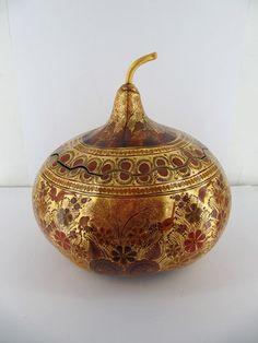 Museo Franz Mayer - 'Costurero dorado en hoja de oro', Autor: Francisco Coronel Navarro.
