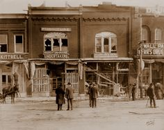 1913 Murfreesboro Street (Change to 1913 Tornado Scene on the Square) On March 21, 1913, a devastating tornado blew a path of destruction through the Public Square. It damaged buildings in the central business district. Many of the businesses never recovered.