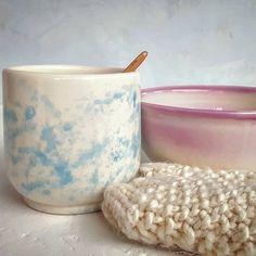 """50 kedvelés, 5 hozzászólás – Ceramiss Ceramic (@ceramiss) Instagram-hozzászólása: """"Éjszaka égett az új kollekció. Persze ezek csak a technikai próbálkozások végeredményei egyelőre.…"""" Sugar Bowl, Bowl Set, Ceramics, Instagram, Ceramica, Pottery, Ceramic Art, Porcelain, Ceramic Pottery"""