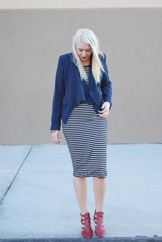 www.theredclosetdiary.com || Fashion Blogger wearing a navy striped dress, navy blazer, platinum hair and red caged heels.