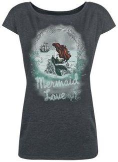 """- Front bedruckt - U-Boot Ausschnitt - lässig geschnitten  Der größte Wunsch von Arielle der Meerjungfrau ist es ein Mensch zu sein. Auf diesem dunkelgrau melierten Shirt """"Waiting For You"""" prangt Arielle die Meerjungfrau auf einem Stein und schaut sehnsüchtig auf ein Schiff. Das T-Shirt ist lässig geschnitten und hat einen U-Boot Ausschnitt - verdammt cool, oder?!"""