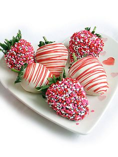 Valentine's Day Chocolate-Covered Strawberries
