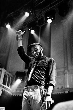 Mos Def - actor and hip-hop artist, he can perform on stage professionally with lyrics or theatrics. Mos Def, Hip Hop Artists, Music Artists, Music Is Life, My Music, Music Film, Bart Styles, Rapper, Black Men Beards