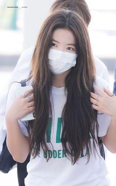 Seulgi, Kpop Girl Groups, Kpop Girls, Red Velet, Kim Yerim, Red Velvet Irene, Airport Style, Airport Fashion, Gorgeous Women