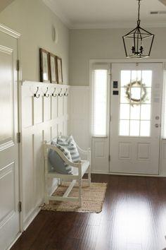 Hallway Designs, Foyer Design, House Design, Hallway Ideas, Entryway Ideas, Entryway Organization, Farmhouse Interior, Modern Farmhouse, Farmhouse Style