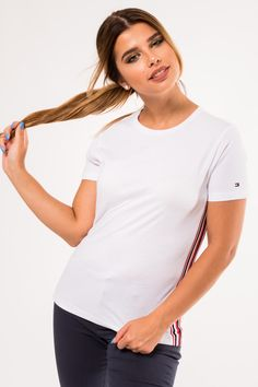 Casual white t-shirt with logo White T, Tommy Hilfiger Women, Polo, V Neck, T Shirts For Women, Casual, Fashion, Moda, Polos