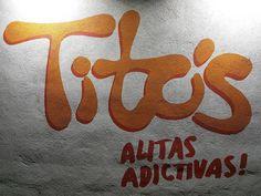Sabías que nuestro logo fue diseñado por @rolando.jacob y está basado en un diseño en el que utilizó la salsa Tito's para escribir nuestro nombre? #handwriting #arte #logo #diseño #alitasdepollo #asador #Monterrey #distritotec #Mexico