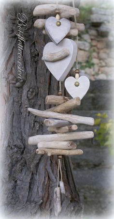Wooden Projects, Wooden Crafts, Diy Crafts, Glass Bottle Crafts, Beach Wood, Rock Decor, Driftwood Crafts, Easter Crafts, Outdoor Decor