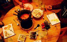 Das perfekte Essen für den Silvesterabend oder sonstige festliche Gelegenheiten: gesellig, lustig, sehr lecker und natürlich vegan! Käsefondue