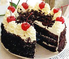 Easy Black Forest Cake Ingredients 1 (125 ounce) package devil's food cake mix with pudding 3 eggs 1 tablespoon almond extract 1 (21 ounce) can cherry pie filling 1 1/2... Read more »