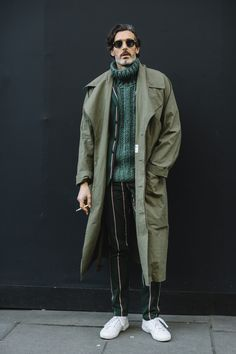 London Fashion Week Men's Street Style Fall 2018 Day 2. The best Men's Street Style looks from the London Men's FW18 shows and fashion week. See the latest Men's Street Style from the menswear fashion shows at TheImpression.com
