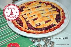 If you want to know how to make Cranberry Pie for Christmas, this recipe is really easy! The cranberries make it a little tart but sweet at the same time. Christmas Pies, Christmas Desserts, Christmas Treats, Christmas Baking, Dessert Cake Recipes, Sweets Recipes, Atlanta Buckhead, Cranberry Pie, Pie Shop
