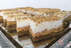 Maminka měla chuť na něco tradičního a vybrala si Řezy Klárka. Je to koláček úplně jednoduchý na přípravu, chutné oříškové řezy se sněhovou peřinkou na vrchu. Autor: Karambola