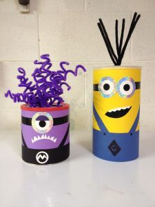 DIY Minion Valentines Day card holder soo cute Super adorable