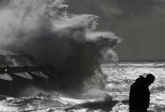 Powerful Storm Lashes Northern Europe And Southern UK ब्रिटेन के बाद यूरोप की ओर बढ़ा तूफान, तस्वीरों में देखें कैसे मचाया उत्पात Read more at http://www.bhaskar.com/international_news/