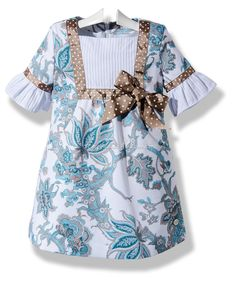 pinning this to remember - Vestido de verano para… Little Girl Dresses, Nice Dresses, Girls Dresses, Toddler Fashion, Kids Fashion, Cotton Frocks For Kids, Sleeves Designs For Dresses, Cute Outfits For Kids, Kind Mode