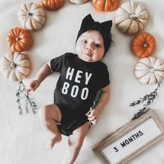 3 Month Halloween Costumes, Halloween Baby Photos, Baby Girl Halloween Costumes, Halloween Season, Babys 1st Halloween, Baby Costumes For Boys, Fall Baby Clothes, Funny Baby Clothes, Fall Baby Pictures
