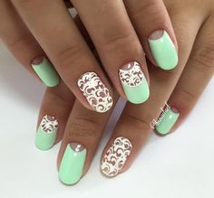 I love how delicate these are. They could even be wedding nails, mother of the bride maybe?