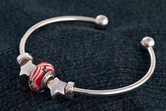 Free bead on bangle bracelet with Star charms ~ Beads for a Cause.  Show support for our armed forces.