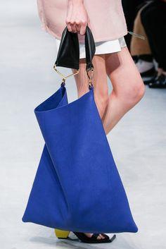 Marni Spring 2016 Ready-to-Wear Collection - Vogue - purse online, designer purses bags, leather handbags women *ad My Bags, Tote Bags, Diy Pochette, Design Bleu, Handmade Bags, Beautiful Bags, Marni, Purses And Handbags, Handbags Online