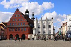 Rathaus und Raths-Apotheke - Greifswald