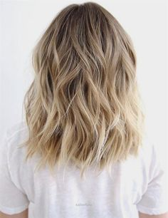 Fantastic Medium To Long Wavy Brown Blonde Hair – beachy waves, honey blonde balayage, this style could last a couple days, just spritz some dry shampoo on roots and mid-shaft, finish with a little spray shine. The post Medium To Long Wavy Brown Blonde Hair – beachy waves, honey ..
