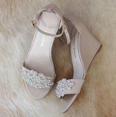 947c1cab9a702 Damen Diamant verzierte Nude Wedge Schuhe. von ForeverSoles. Wedge Wedding  ShoesWedding ...