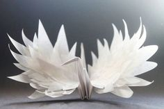 ideas origami crane tattoo paper birds for 2019 Origami Artist, Origami Paper Art, Origami Bird, Origami Flowers, Paper Crafts, Origami Cranes, Origami Hearts, Dollar Origami, Origami Tattoo