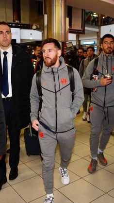 Lionel Messi, Messi 10, Soccer Players, Fc Barcelona, My Boys, Canada Goose Jackets, Leo, Athlete, Winter Jackets