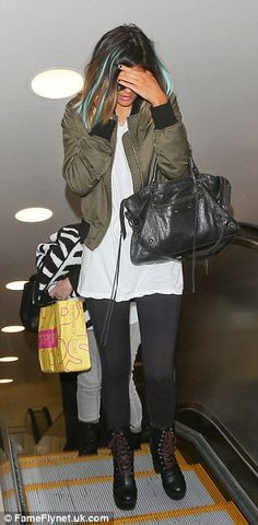 Outfit reassemble: For the airport look Kylie Jenner added leggings and swapped jackets