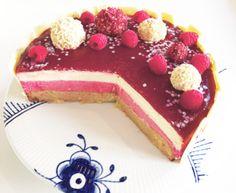 Hindbær- og hvid chokolademousse kage