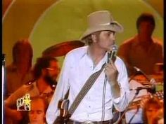 Jerry Reed -- She Got The Goldmine (I Got The Shaft) - YouTube