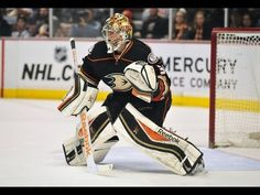 Frederik Andersen traded to the Maple Leafs