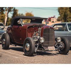 Sweet Spot #fuel32  @merriman.motors  Shop Fuel32.com Click link in bio  #1932ford #1931ford #1930ford  #1929ford #1928ford #32ford #highboy #deuce #coupe #hamb #ford #1932 #vintagecar #hopuplive #streetrod #hotrod #sema #trog #customcar #5window #3window #roadster #modela #gnrs #flathead #goodguys #roddersjournal #livingthehighboylife Vintage Cars, Antique Cars, 1932 Ford, Flat Head, Street Rods, Custom Cars, Hot Rods, Motors, Link