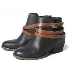H by Hudson Horrigan black ankle boots. Black Leather Ankle Boots, Black Boots, Hudson Shoes, Shoe Boots, Women's Shoes, Heels, Fashion Boutique, Uni, Style