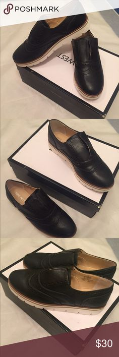 New in box Nine West black loafers woman's size 7 Brand new In Box shoes Nine West size 7 woman's . See pictures for details any questions feel free to send me a comment Nine West Shoes Flats & Loafers
