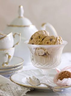 Food Styling & Photography on Pinterest | Meringue, Biscotti and ...