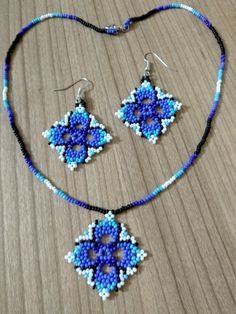 VK is the largest European social network with more than 100 million active users. Beaded Flowers Patterns, Beaded Earrings Patterns, Diy Earrings, Beading Patterns, Beaded Bracelets, Bead Jewellery, Jewelry Party, Jewelry Crafts, Bead Loom Designs