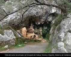 Continuamos con la serie de cuevas cántabras, en esta ocasión publicamos la de Las Monedas, en el municipio de Puente Viesgo. Buen fin de semana.