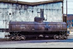 Net Photo: BO Baltimore & Ohio (B&O) Tank Car at Glenwood, Pennsylvania by Doug Lilly Rr Car, Baltimore And Ohio Railroad, Holiday Train, Ho Model Trains, Railroad Pictures, Rolling Stock, Model Train Layouts, Train Car, Water Tower