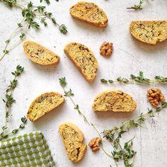 Herb and walnut savory biscotti / Бискотти с травами и грецкими орехами