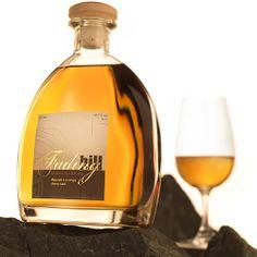 Birkenhof Brennerei im Nistertal -  Besichtigungen, Destillateurkurse & Genussabende Malt Whisky, Distillery, White Wine, Bourbon, Gin, Whiskey Bottle, Alcoholic Drinks, Germany, Alcohol