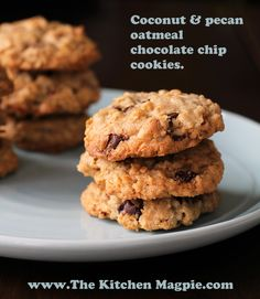 Chocolate Chip Cookie Recipe: Oatmeal Chocolate Chip Cookies !| @Matty Chuah Kitchen Magpie : Karlynn Johnston #chocolatechipcookierecipe #cookies #recipes