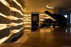 project by Vision Apartment for Daniel Burlacescu in #Warsaw @BOCADOLOBO Apollo mirror &Infinity console-
