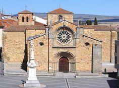 Iglesia Románica de San Pedro, Ávila - Plaza de Santa Teresa o del Mercado Grande
