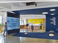 fullscreen-office-design-4. #meeting #collaborative #technology