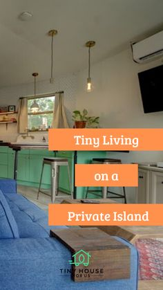 In Sarasota, Florida, close to Siesta beach you will find this small 1.5 acre, private lake island. On it, owners; Tim and Sam have chosen to build their second tiny home.  Click now to read their tiny home story! #tinyhousesforus #tinyhome #smallspace #lake #dreamhome #minimalisthome #tinyhouse #lakehouse