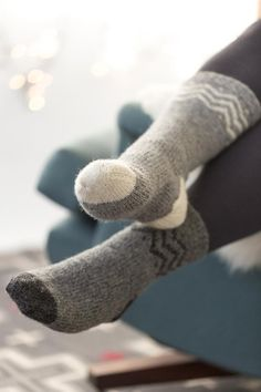 Hygge - cozy socks in grey and creme - makes for a perfect present!