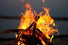 To-Do List San Diego: Bonfire at Mission Beach