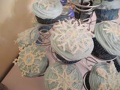 Snowflake Champagne Cupcakes